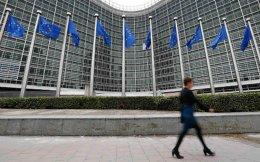 eu-flag-woman