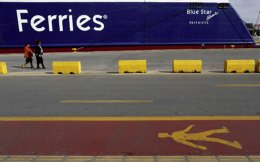 ferry_piraeus_web