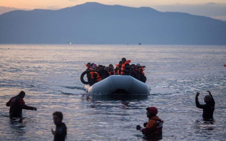 migrant_boat_web--3