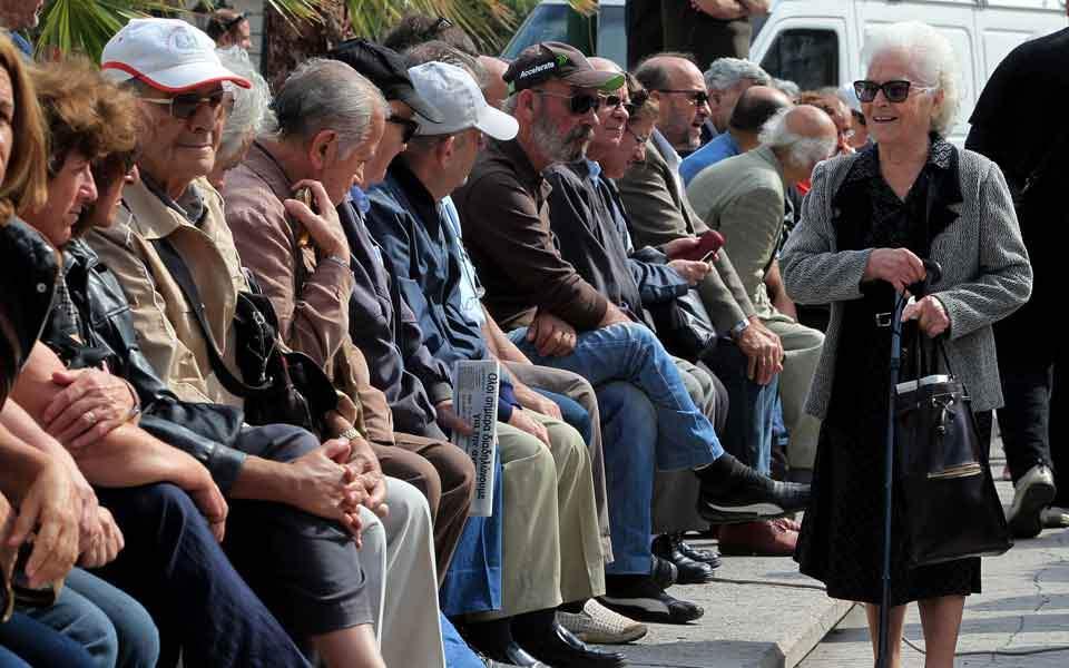 pensioners_sitting_web