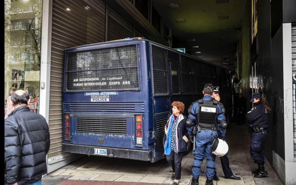 police-bus_web