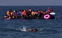dinghy_migrants