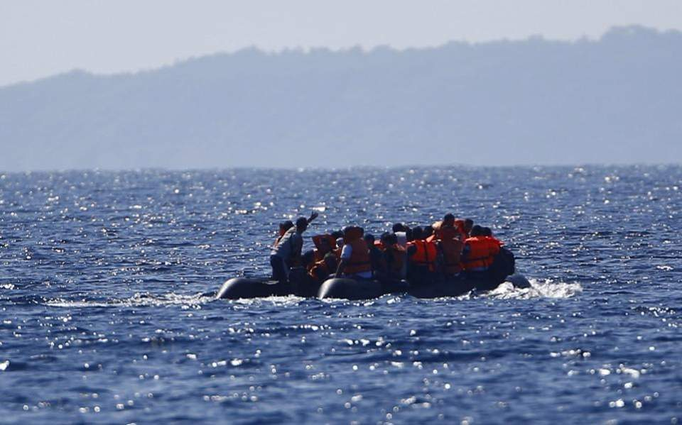migrants_in_boat-thumb-large-thumb-large