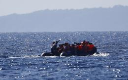 migrants_in_boat-thumb-large-thumb-large