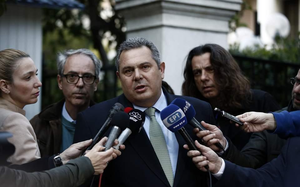staatsanwalt springt aus fenster