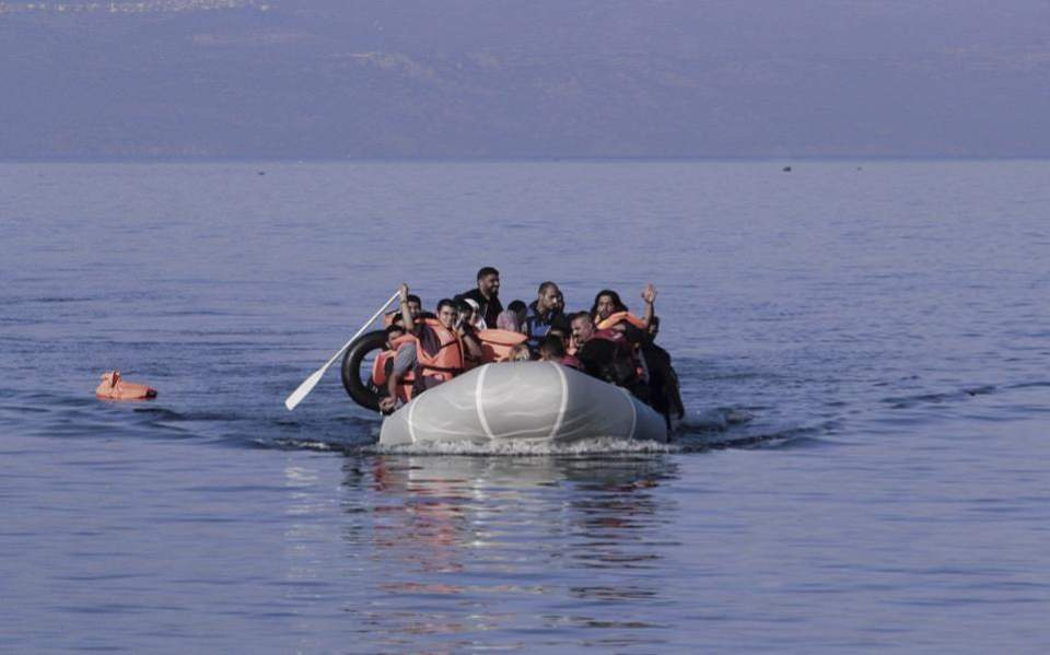 migrant_boat--2-thumb-large
