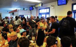 santorini_airport_web