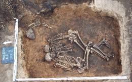 skeleton-grave-plague