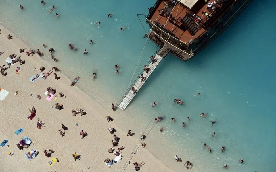 tourism_beach_web