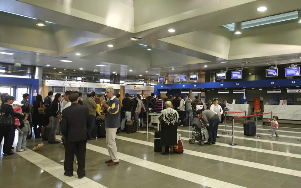 makedonia_airport_queues_web