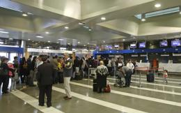 makedonia_airport_queues_web