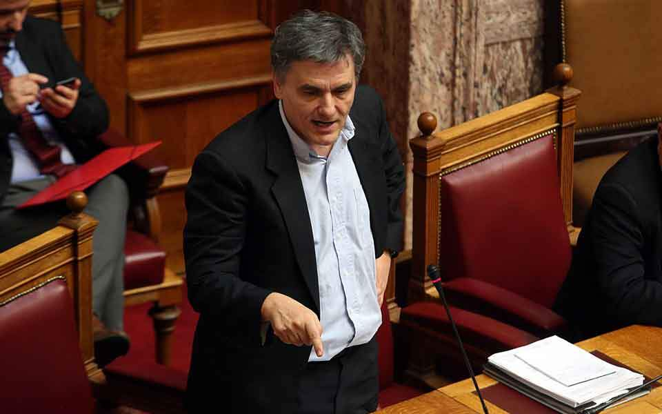 tsakalotos_parliament_finger_web