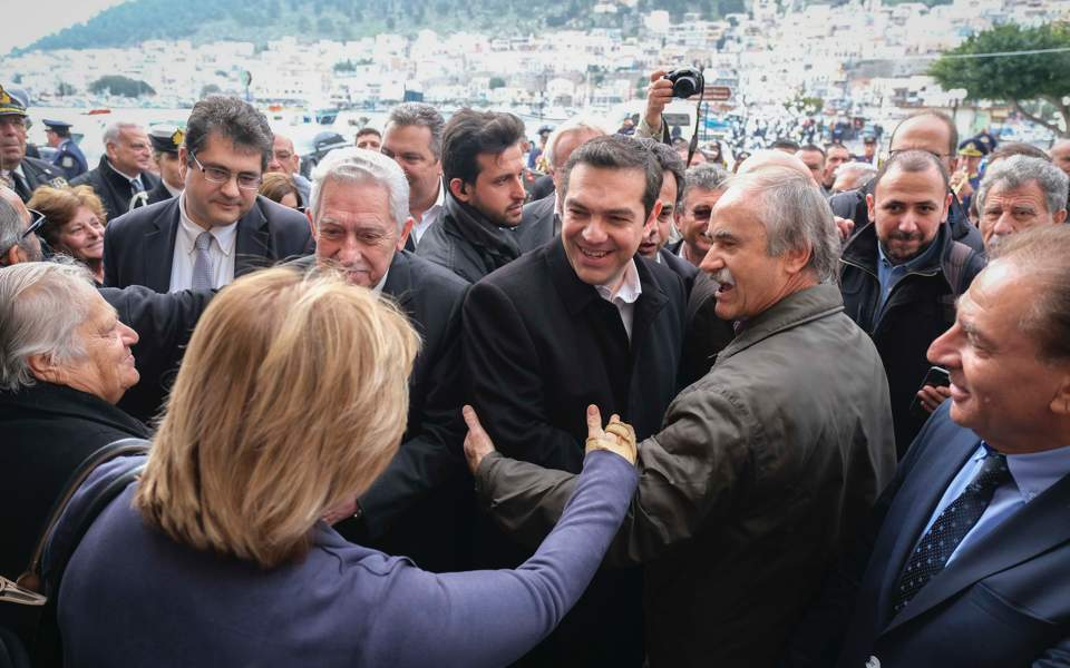 tsipras-crowd_web