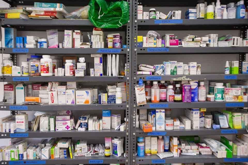 drugs_on_shelves_web