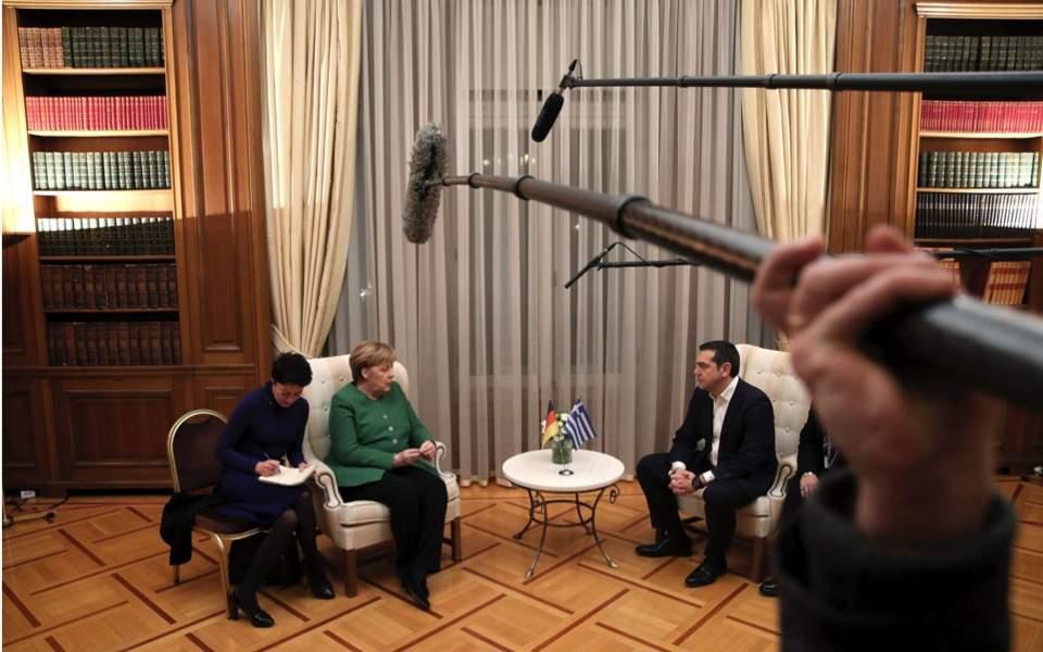 merkel_tsipras_mikes