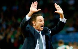 pitino_hands_up_web