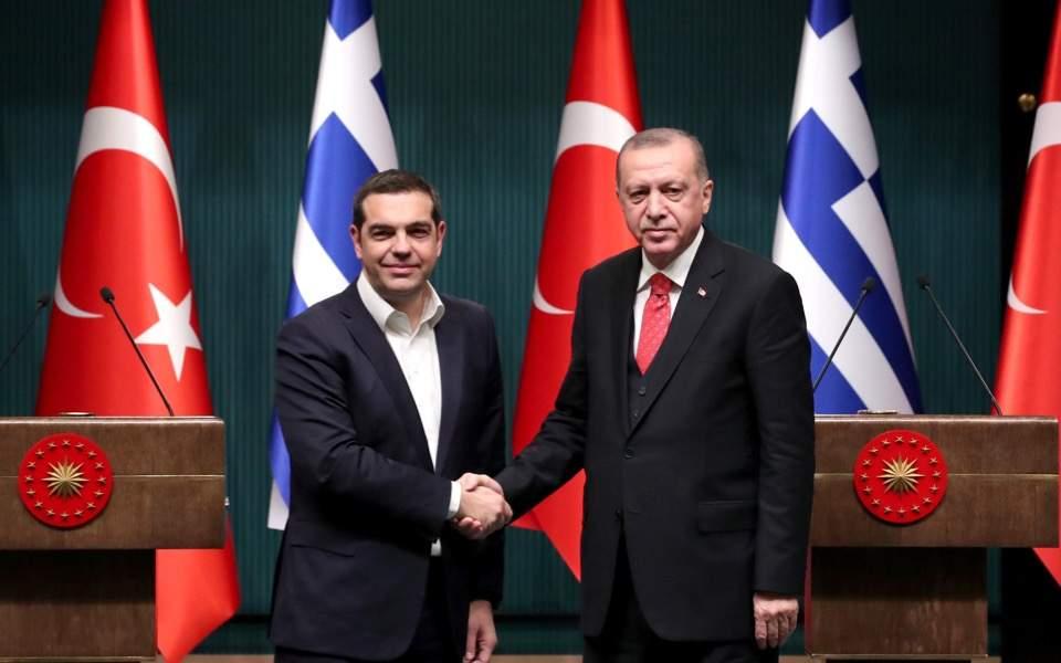 ¿Cuánto mide Alexis Tsipras? - Real height Erdo--2-thumb-large