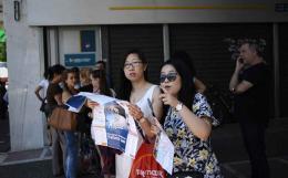 asian_tourists_web