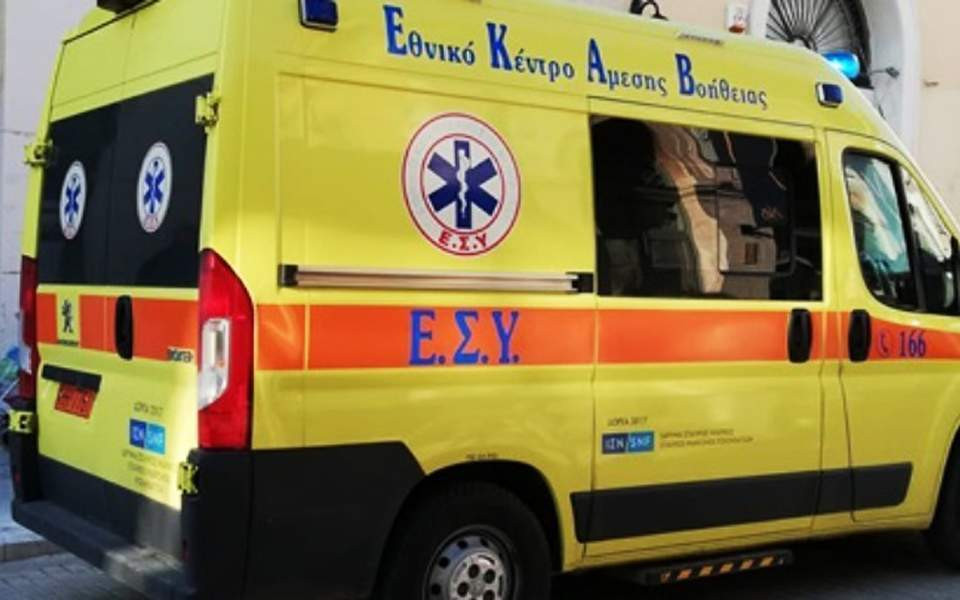 Motorist killed on Athens' Mesogeion Avenue after car veers off course