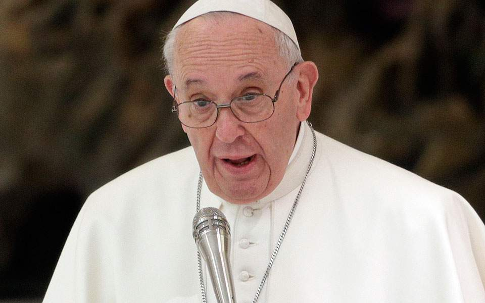 Pope Francis says Tsipras deserves Nobel Prize over