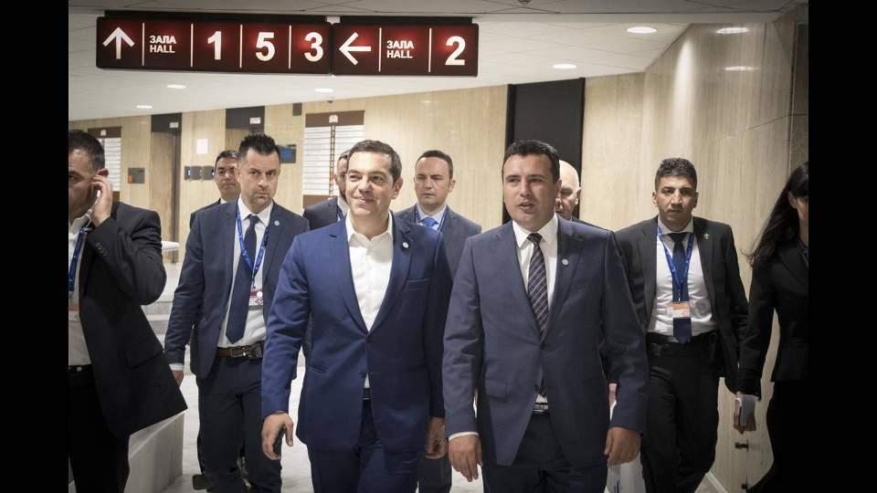 tsipras-zaef6-thumb-large1