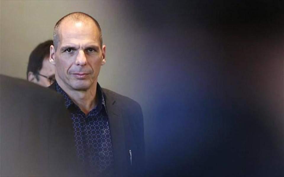 Varoufakis attributes SYRIZA losses to 'inconsistencies of last 4 years'