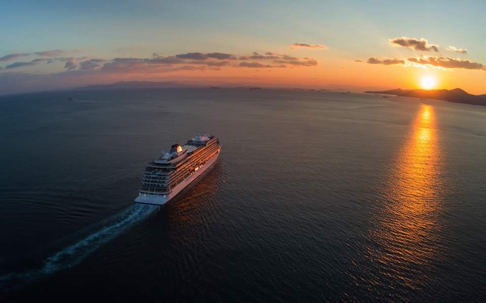Alarm over air pollution emitted by cruise ships