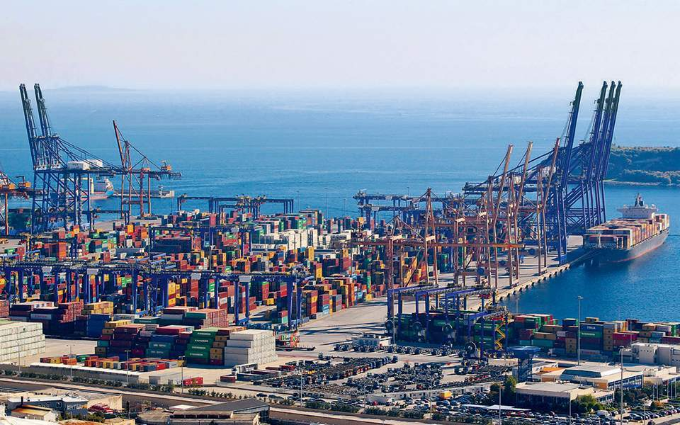 Piraeus port owner Cosco to submit investment plan