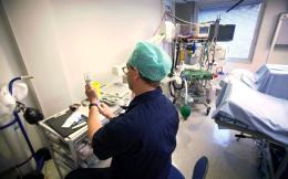 hospital_equipment_web
