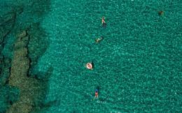 kimolos_swimming_beach