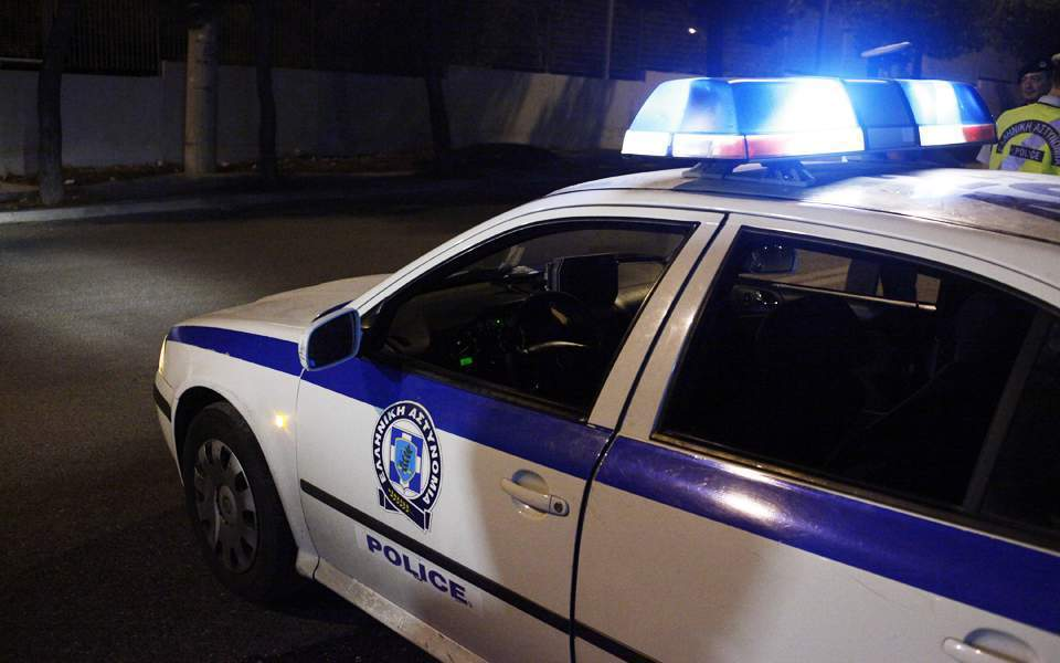 Six police officers injured in two attacks on Sunday night