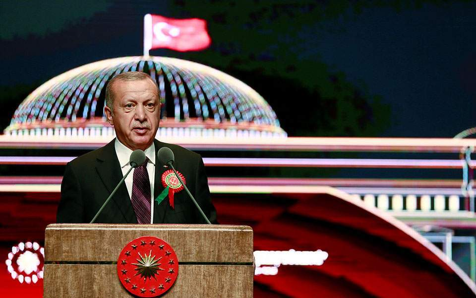 Erdogan makes migration threat