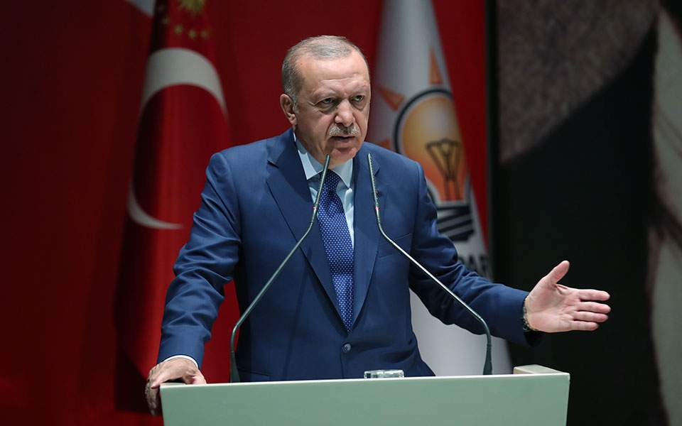 Erdogan appears unfazed by PM's call for end to threats