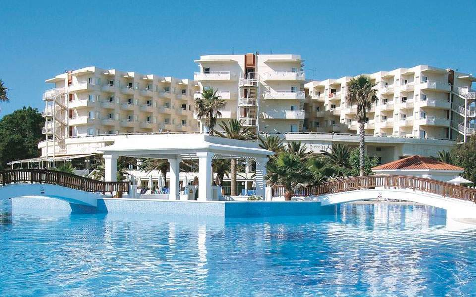 Louis expects 75-mln-euro profit after Greek hotel sales