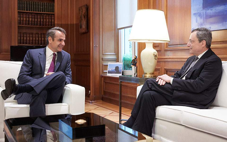 Mitsotakis, Draghi discuss reforms, banks