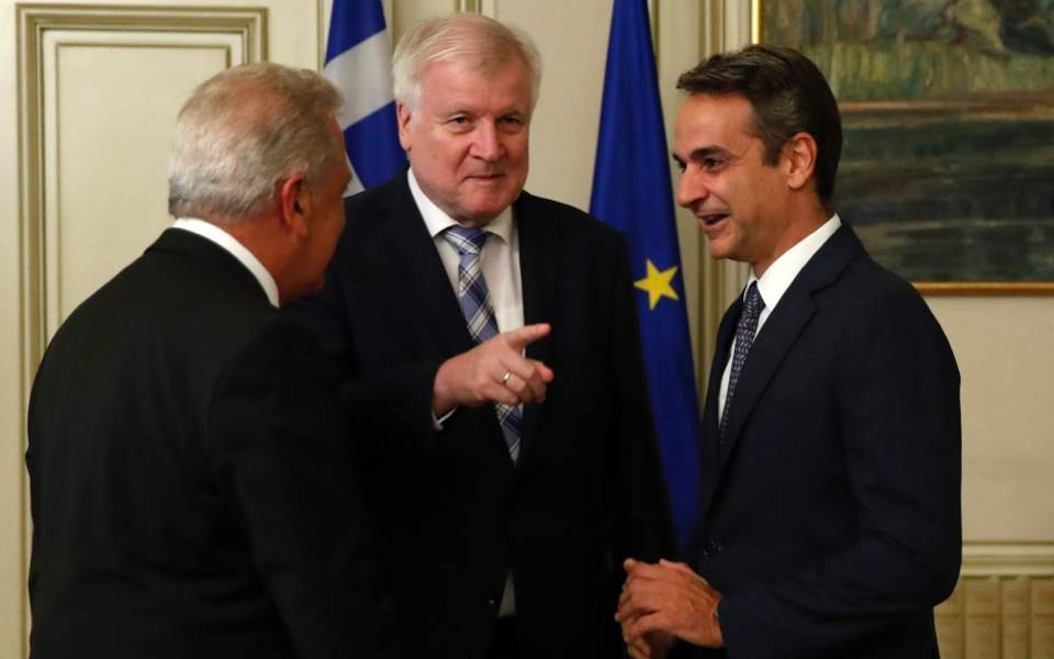 Greece: EU members refusing refugees should be sanctioned