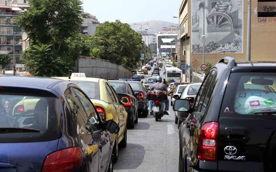car_traffic_piraeus_web