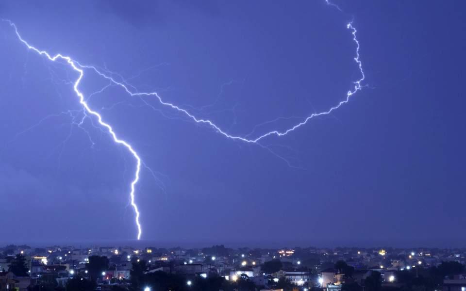 storm_web