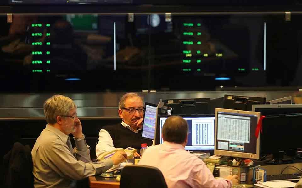 traders_worried_web