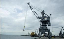 thessaloniki_port_crane_web-thumb-large