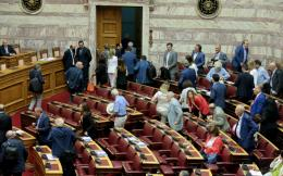 parliament-vote-on-papangelopoulos