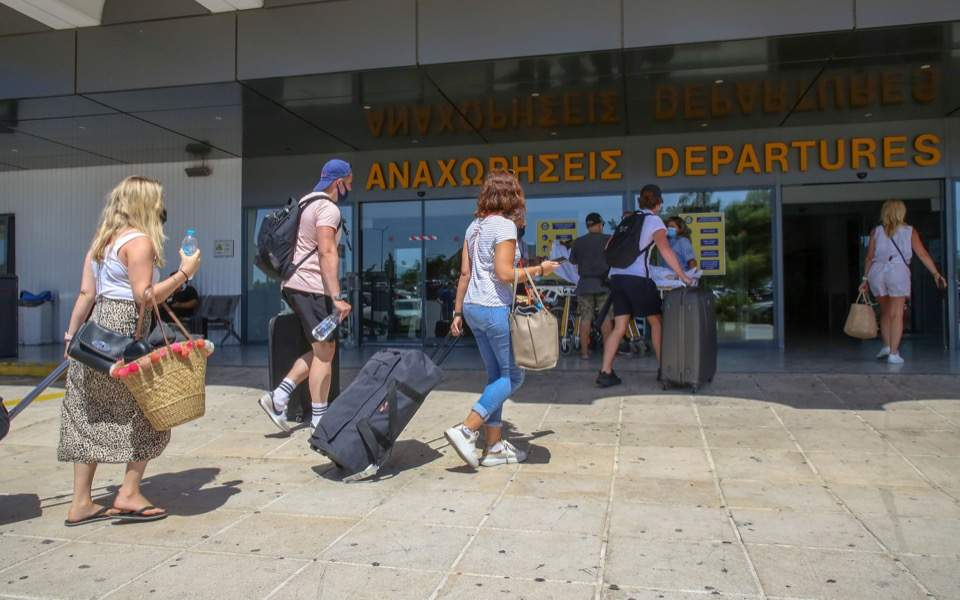 british-tourists-heraklion-airport