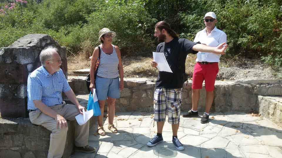 tourists_samothraki_web