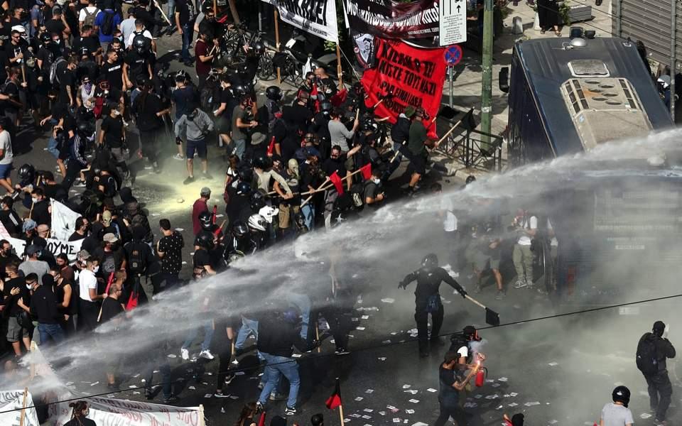 riots_web