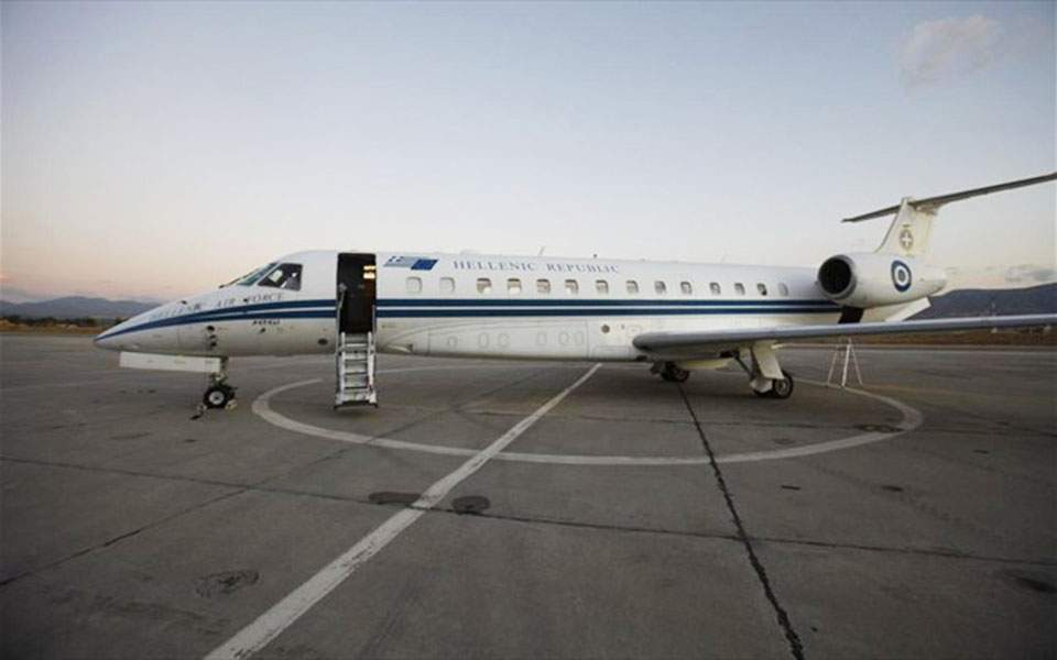Turkey keeps Greek FM's airplane in air for additional 20 minutes | News |  ekathimerini.com