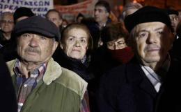 pensioners_at_night_web