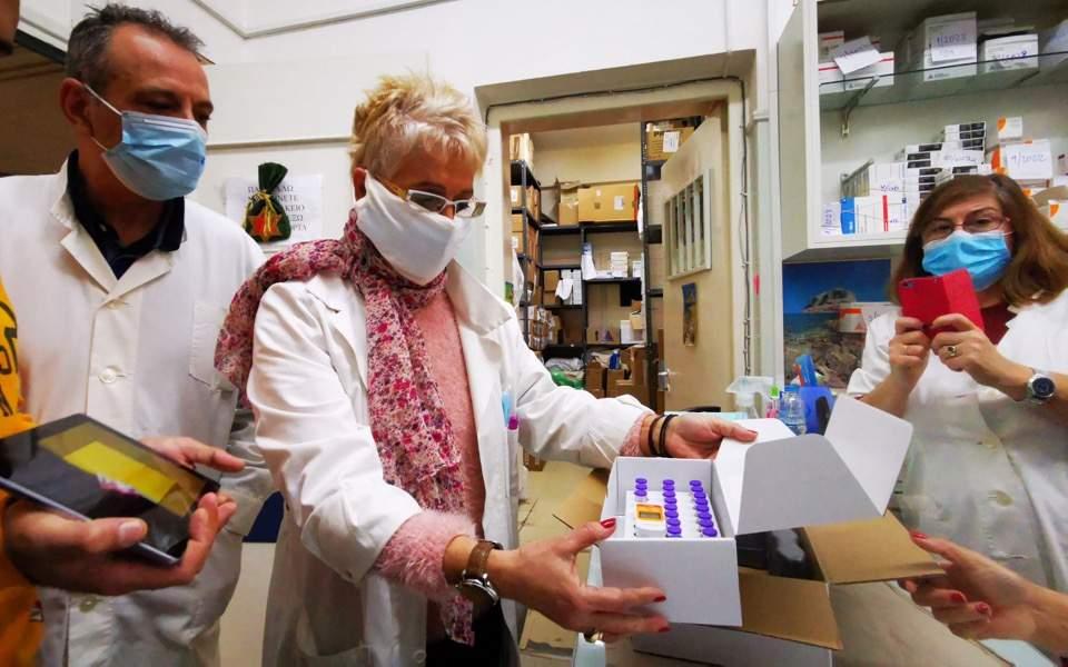 pfizer-vaccines-in-nafplio-hospital