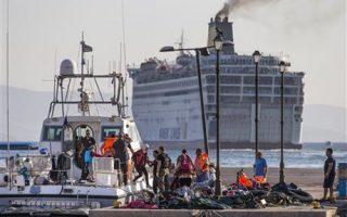 greek-coast-guard-rescues-hundreds-off-aegean-islands