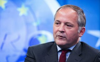 coeure-says-ecb-could-reinstate-greek-bank-waiver-before-october