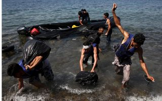 migrant-crisis-overwhelms-greek-government
